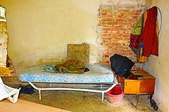 (danielebenvenuti) Tags: italy canon florence reflex italia indoor tuscany firenze toscana letto interni scandicci vestiti abbandono cnon 700d