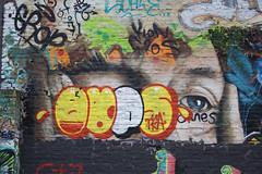 oups (wallsdontlie) Tags: graffiti cologne oups