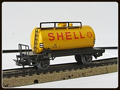Mrklin 4502 (v8dub) Tags: railroad game train wagon toy model tank shell eisenbahn railway ho bahn treno modell spielzeug 00 jouet trein kessel waggon wagen modellbahn 4502 citerne mrklin gterwagen kesselwagen