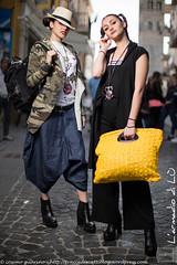 IMG_4569 (traccediscatti) Tags: street colore moda style persone giallo donne denim stile nero abito pubblicit ragazze vestiti modelle abbigliamento allaperto accessori