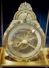 Astrolabe (exceptionaleye) Tags: california color film gold golden time kodak availablelight beverlyhills tiffany ektachrome olympusom1 astrolabe ektachrome64 tiffanyclock tiffanybeverlyhills tiffanyastrolabe