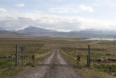 Breiafjrur, Iceland (Tiphaine Rolland) Tags: road grass iceland nikon path route 1855mm 1855 chemin herbe islande 2016 breiafjrur vatnsnes d3000 nikond3000