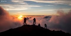 Fotógrafos de Montanha (Waldyr Neto) Tags: sunset pordosol mountains clouds nuvens montanhas crepúsculo trêspicos parqueestadualdostrêspicos petp cloudsstormssunsetssunrises