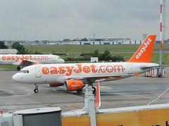 G-EZIN Airbus A319 Easyjet (graham19492000) Tags: berlin airbus easyjet gezin a319 schonefeldairport