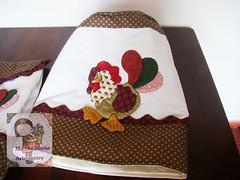 Capa de galão e puxa saco Galinha (Ma Ma Marie Artcountry) Tags: chicken galinha patchwork cozinha crafting puxasaco galinhacountry capadegalão galinhaemtecido