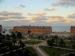 contando corderitos (mnovela2293) Tags: argentina mar buenos aires casino alejandro mardelplata provincial atlantico bustillo argentinoocano