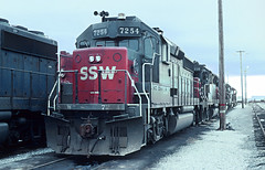 5 of Southern Pacific GP40-2s (railfan 44) Tags: southernpacific