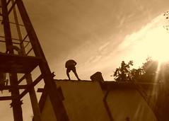 Roofer - NORWAY (Wirtualna Skandynawia) Tags: norway trondheim praca roofer norwegia skandynawia dekarz