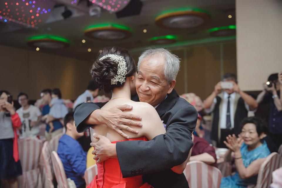 婚禮攝影-台南情定婚宴城堡永康館-42