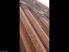 colonne de brique (alexandrarougeron) Tags: faade immeuble structure urbain ville brique mur architecture