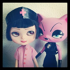 My weird girls / Mis nias raritas (Jordana S.) Tags: pink cat square dolls ooak squareformat walden nurse hybrid midori lps littlestpetshop pureneemo iphoneography blyrthe icydoll instagramapp uploaded:by=instagram