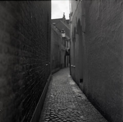 * ([Photom]) Tags: 6x6 film ilfordhp5 bruges rodinal mamiyac330 selfdeveloped