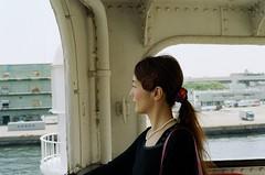 ある日の豪華客船(海を見つめて) (uita hanabira) Tags: 横浜 山下公園 asahipentaxsp 廃船 船着き場 スーパータクマー55mmf18
