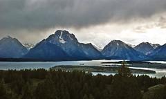 13 2122 - USA, Wyoming, Grand Teton Park (jeanpierreossorio) Tags: usa montagne eau lac ciel wyoming nuage contrejour blinkagain