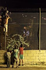 Alcanzando el sueo (estebanriosbedoya) Tags: en noche la soccer nios cabeza con ftbol pelota medelln conlapelotaenlacabeza