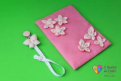 IMG_3504-2 (Fuxico da Carol) Tags: flor borboleta porta fuxico feltro documento tecido chupeta chucha