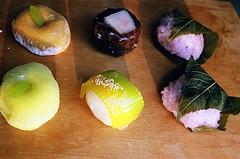01750002-84 (jjldickinson) Tags: wood food dessert japanese longbeach mochi wrigley olympusom1 confectionery manju cuttingboard fujicolorsuperiaxtra400 fugetsudo promastermcautozoommacro2870mmf2842 promasterspectrum772mmuv roll495o2