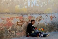 Chiapas-Personajes (jaropi) Tags: indígenas méxico sancristobaldelascasas chamulas vendedorescallejeros estadodechiapas