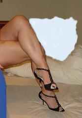 Curri16 (J.Saenz) Tags: woman feet foot mujer shoes toe legs sandals nail tacos polish zapatos pies heels pedicure tacones pieds pintada dedo footfetish scarpe sandalias beine crossed schuh fetiche toenail gambe shoefetish gams esmalte ua pedicura tacchi fetichismo cruzadas shoeplay womenfeet podolatras pernas