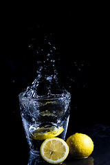 Lemons: High Speed (rafa.esteve) Tags: water glass fruit lemon splash lowkey highspeed watersplash