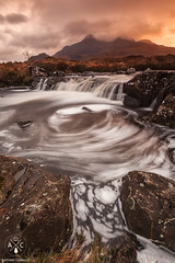 Sligachan River (Antonio Carrillo (Ancalop)) Tags: mountains skye sunshine river scotland soft escocia amanecer 09 lee antonio isle 1740mm carrillo montaas density ecosse neutral cuillin sligachan gradual canon1740mmf4l neutra gnd densidad glensligachan highlads canon5dmarkii ancalop lucroit leesoft09gnd wwwantoniocarrillocom