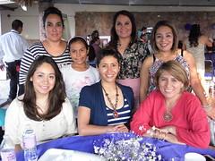 Jya Camila recibe la eucarista (Sociales El Heraldo de Saltillo) Tags: amigos familia mxico mayo primera coahuila saltillo celebracin sociales comunin elheraldodesaltillo