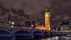 Big Ben at night (Stefan Sellmer) Tags: longexposure bridge england london classic architecture night clouds 50mm outdoor details bigben gb westminsterbridge vereinigtesknigreich