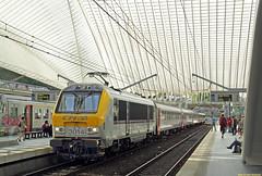 20160521 CFL 3014 + I10, Luik (Bert Hollander) Tags: station loco kap wit luik trein cfl intercity locomotief 3014 eloc cheminsdeferluxembourgeois luikguillemins reeks3000 118icliersluxembourg