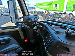 Volvo VNL 670 Dashboard (Trucks and nature) Tags: auto comfortable america truck volvo big hp power suspension diesel quality interior air shift turbo chrome american seats rig automatic transmission gearbox sleeper stacks 670 vn 780 435 vnl i ishift