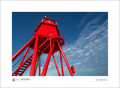 South Groyne (tobchasinglight) Tags: lighthouse wideangle bluesky northsea southshields rivertyne northeastcoast polariser redlighthouse southgroyne