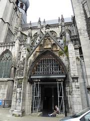 Tiet Veur Un Pafke (Spaan & Vemegen 1988)  (time for a stub) (:-) LR) Tags: church belgi maas dinant meuse notredamededinant