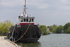 DUD_3820r (crobart) Tags: lake ontario port boat tug erie dover ecosse