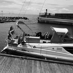 The Danish Boat (brandsvig) Tags: bridge bw june marina boat skne sweden bro malm resund resundsbron 2015 vstrahamnen samsungs4