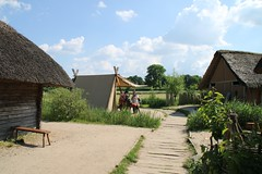 14 Haithabu WHH 05-06-2016 (Kai-Erik) Tags: archaeology wall museum germany geotagged deutschland stadt vikings viking tyskland oldenburg schleswigholstein huser eisen wikinger siedlung schmied wmh archologie vikinger stadtwall haithabu arkeologi slesvigholsten danewerk vikingr haddebyernoor arkologi hedeby whh slesvigland wikingerzeit heddeby danevirke heiabr heithabyr heidiba httpwwwhaithabutagebuchde handelsmetropole httpwwwschlossgottorfdehaithabu danwirchi vikingehuse vikingetidshusene frhmittelalterlichestadt 05062016 museumsfreiflche 06052016 geo:lat=5449127102 geo:lon=956699003 5juni2016 ambosshammerundzangegertschaftenausdemschmiedefeuer gruppereginausribeindnemark 5thjune2016