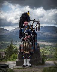 The Piper (montrealmaggie) Tags: scotland highlands kilt tourist piper bagpipes tartan