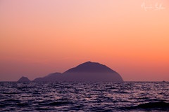 La donna incinta (lucamondardini) Tags: sunset sea wild italy nature island mediterraneo tramonto waves colours panarea