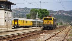 Maniobres a Mra (tunel_argentera) Tags: tren train ferrocarril railway zug renfe adif 269 mora moralanova correos appfi