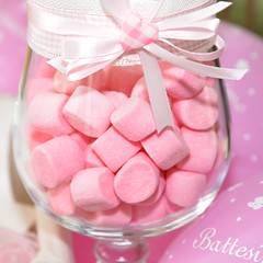 La vita tocca prenderla come viene, e per addolcirla in fretta l'unica cosa sono le caramelle! (illyphoto) Tags: battesimo dolci caramelle illyphoto photoilariaprovenzi