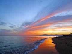 Reflejos del atardecer (Antonio Chacon) Tags: sunset espaa atardecer mar spain andalucia costadelsol mediterrneo mlaga marbella