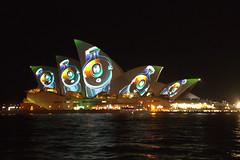 casques (Val in Sydney) Tags: light house festival opera sydney vivid australia nsw soh australie
