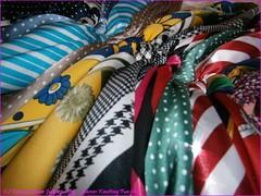 932TC_Scarves_July28,2013_2560x1920_7280070_sizedFlickR (terence14141414) Tags: scarf silk foulard knots soie esarp knottingfun wristtiebar