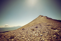 Un desierto de pasos (laororo) Tags: france peak pyrenees coll roig collroig