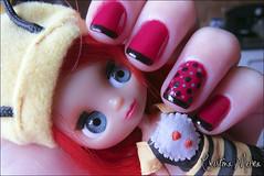 Bela Rosa - Anita (Cristina Meira) Tags: cute doll rosa vermelho bolinhas nails blythe boneca anita poa unha esmalte francesinha littlestpetshop inglesinha belarosa cristinameira