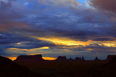 Monument Valley Navajo Tribal Park, UT (Shawn-Yang) Tags: park travel arizona usa southwest west tourism monument nature rock landscape outdoors utah us ut sandstone colorado rocks open desert forrest plateau spires nation scenic az tribal tourist erosion route trail national valley gump geology navajo ancients mittens formations reservation pinnacles buttes rozanne byway monumentvalleynavajotribalpark siltstone hakala ts ndzisgaii bii