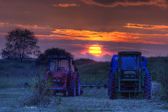 Harvest Sunset - Blue Ridge Mountains Virginia (Terry Aldhizer) Tags: sunset sky sun tractor grass john farm harvest deer terry fields hay tractors hdr bailer aldhizer terryaldhizer terryaldhizercom