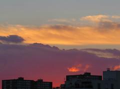 celui qui voulait encore briller (doubichlou) Tags: sunset sky cloud france soleil poetry all glory coucher ile lovers ciel val suburb nuage vues banlieue marne