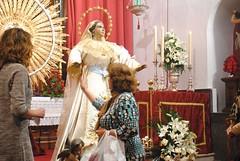 Besamano a la Virgen de la Asuncin (Peridico La Semana de Dos Hermanas) Tags: asuncin sansebastin besamano