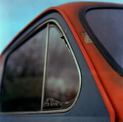 Pflasterheld (Drte Krell) Tags: cars 6x6 tlr vintage mediumformat xpro fuji minolta crossprocessing mf c41 autocord rokkor proxar digibase rms100