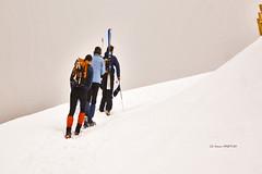 Hacia la cruz de Gorbea (Jabi Artaraz) Tags: viaje nieve invierno zb caminata compañeros elurra gorbea euskoflickr jartaraz ¿adóndevoy blinkagain haciagorbea