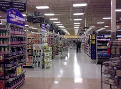 Down the end aisle behind produce (l_dawg2000) Tags: food retail mississippi supermarket ms produce grocery remodel meats 90s schnucks kroger albertsons 2000s remodeled hornlake labelscar seessels retailconversion krogerremodel